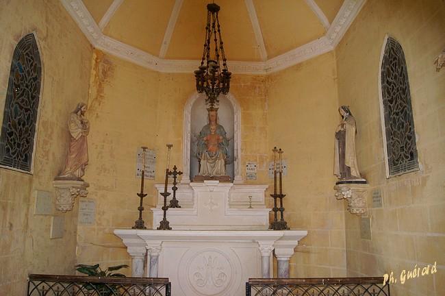 Intérieur Chapelle Notre Dame du Gué