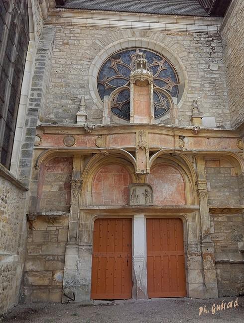 Chaource entrée latérale église