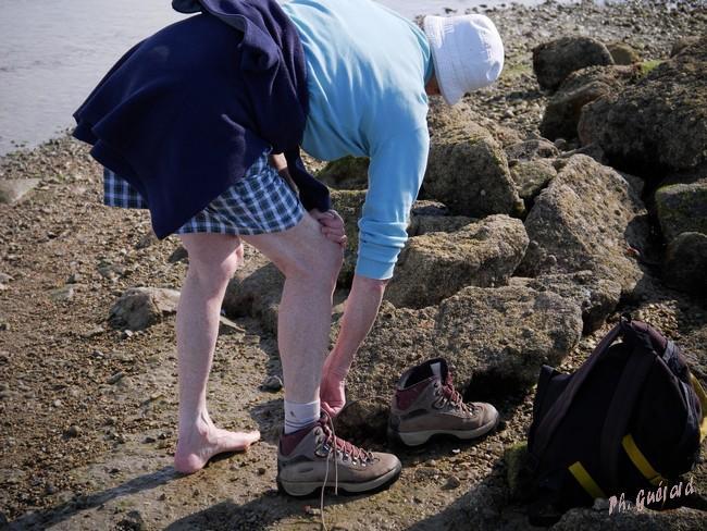 On enlève les chaussures pour franchir 3 mètres ...