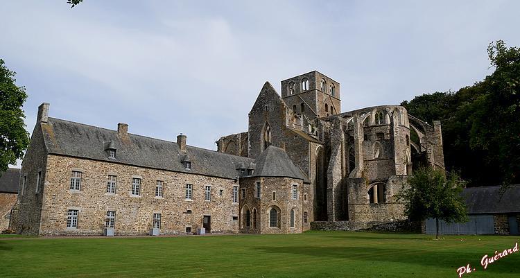 Abbaye d'Hambye, vue arrière