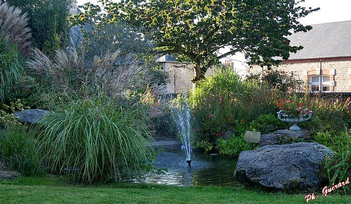 jardins de l'église abbatiale de St-Sever-Calvados