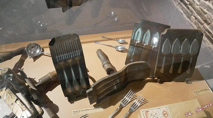 Moules à fourchettes et à cuillères