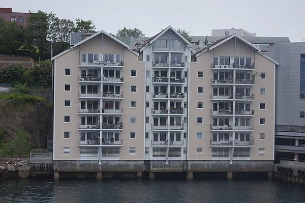 balcons au-dessus de l'eau