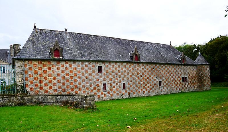 château de la Bretonnière, arrière des étables