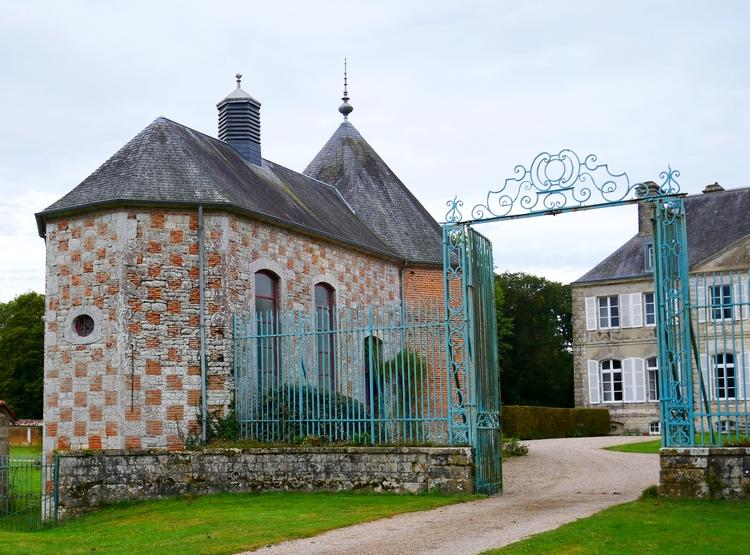 château de la Bretonnière, chapelle et pigeonnier