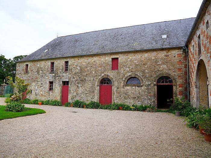 château de la Bretonnière, extérieur des écuries